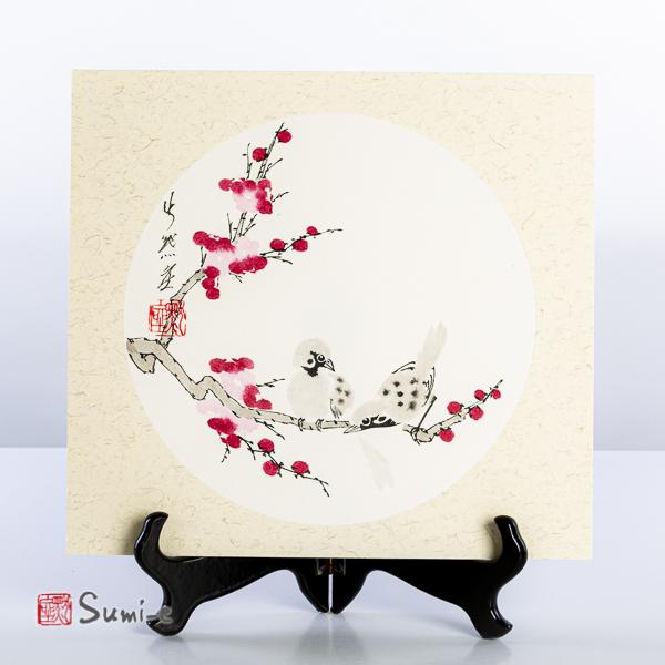 Opera dipinta a mano rappresentante un ramo di fiori di pruno e coppia di uccellini su cartoncino di riso 25x27cm con firma autore e sigillo